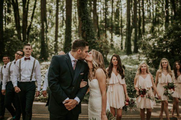 modern-romantic-portland-wedding-at-leftbank-annex-olivia-strohm-photography-22