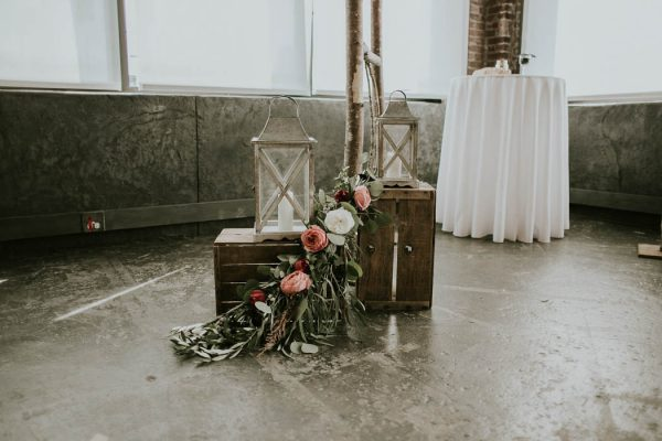 modern-romantic-portland-wedding-at-leftbank-annex-olivia-strohm-photography-26