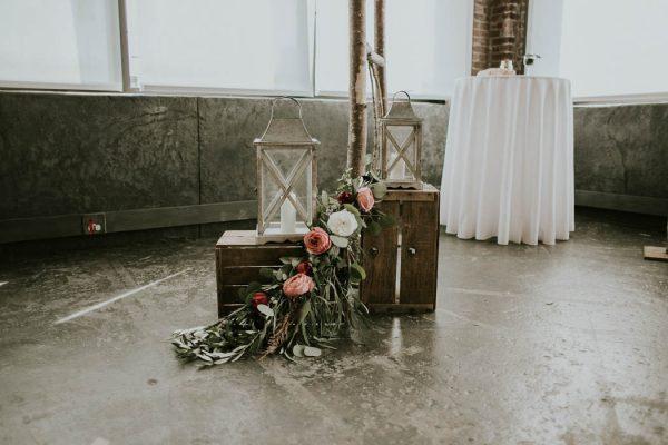modern-romantic-portland-wedding-at-leftbank-annex-olivia-strohm-photography-26