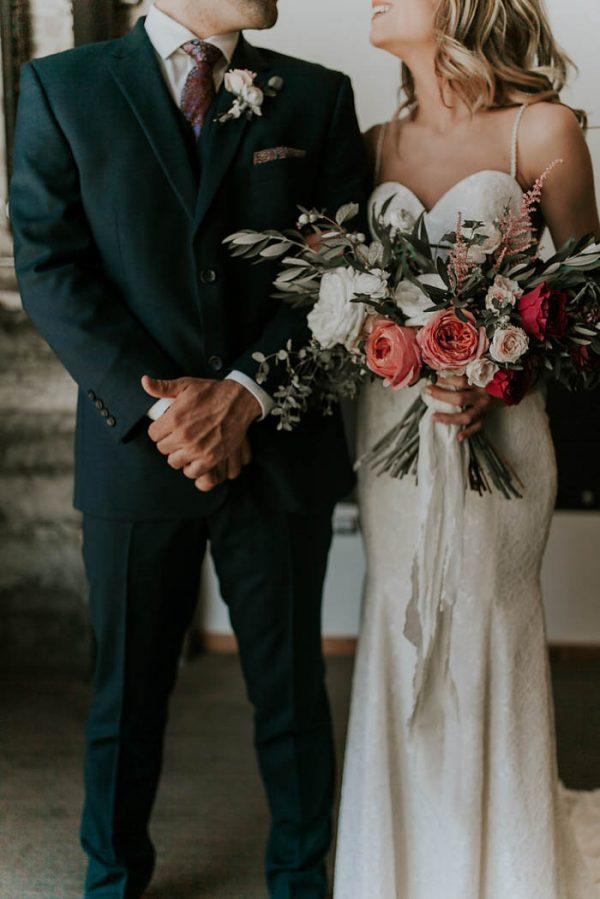 modern-romantic-portland-wedding-at-leftbank-annex-olivia-strohm-photography-30