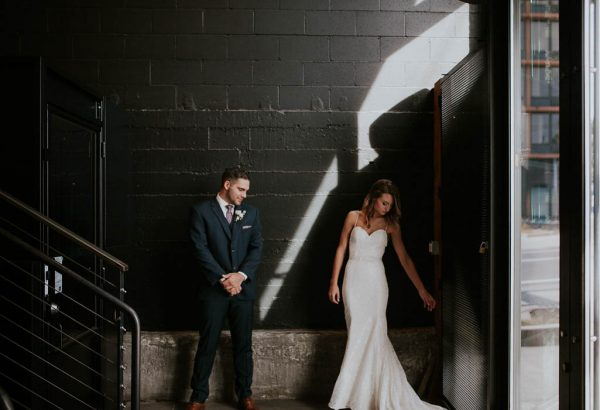 modern-romantic-portland-wedding-at-leftbank-annex-olivia-strohm-photography-32