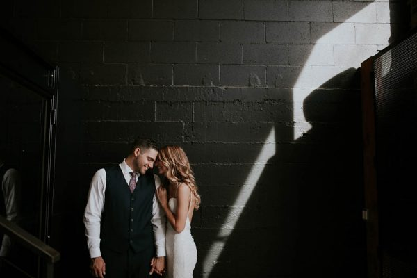 modern-romantic-portland-wedding-at-leftbank-annex-olivia-strohm-photography-33