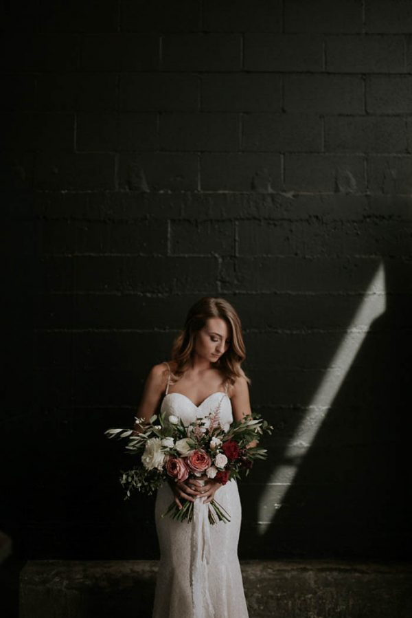 modern-romantic-portland-wedding-at-leftbank-annex-olivia-strohm-photography-35