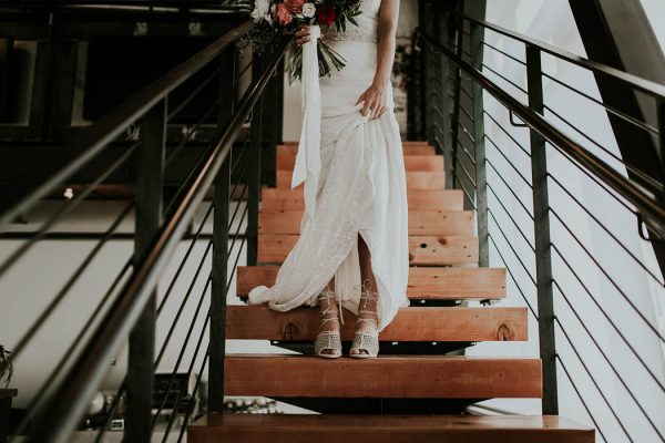 modern-romantic-portland-wedding-at-leftbank-annex-olivia-strohm-photography-42