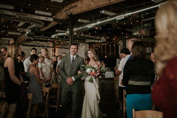 modern-romantic-portland-wedding-at-leftbank-annex-olivia-strohm-photography-45
