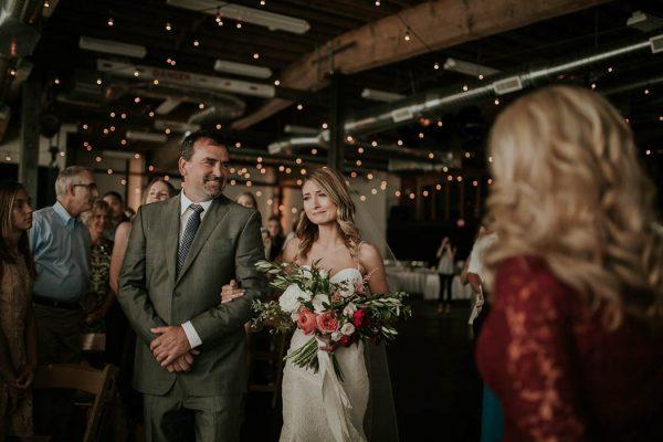 modern-romantic-portland-wedding-at-leftbank-annex-olivia-strohm-photography-46