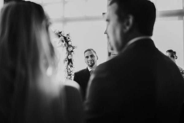 modern-romantic-portland-wedding-at-leftbank-annex-olivia-strohm-photography-47