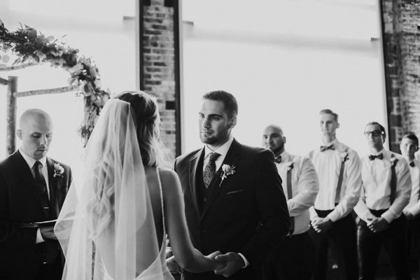 modern-romantic-portland-wedding-at-leftbank-annex-olivia-strohm-photography-51