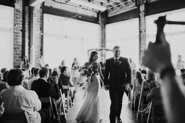 modern-romantic-portland-wedding-at-leftbank-annex-olivia-strohm-photography-53