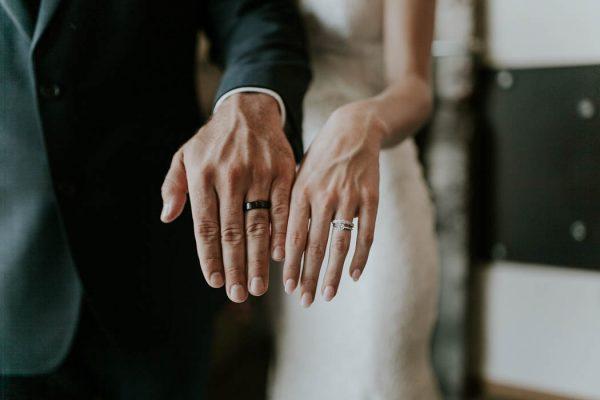 modern-romantic-portland-wedding-at-leftbank-annex-olivia-strohm-photography-55