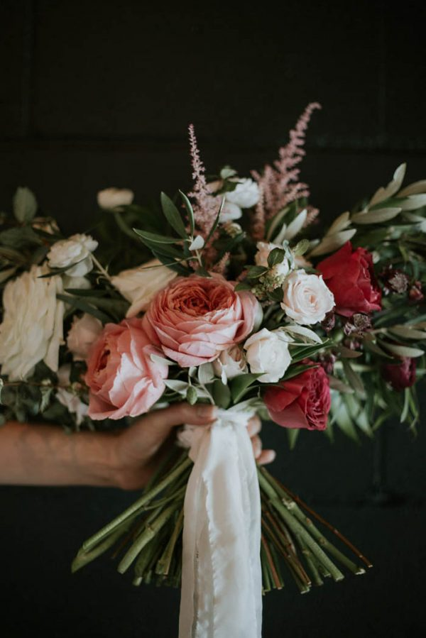 modern-romantic-portland-wedding-at-leftbank-annex-olivia-strohm-photography-6