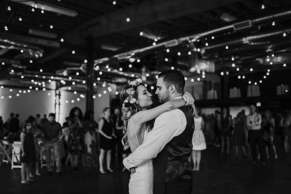 modern-romantic-portland-wedding-at-leftbank-annex-olivia-strohm-photography-60