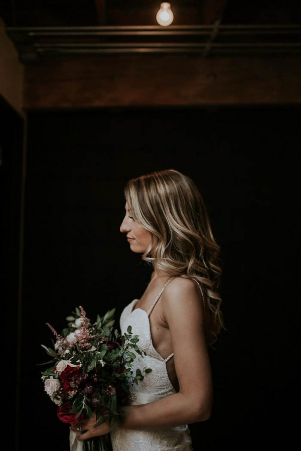modern-romantic-portland-wedding-at-leftbank-annex-olivia-strohm-photography-7