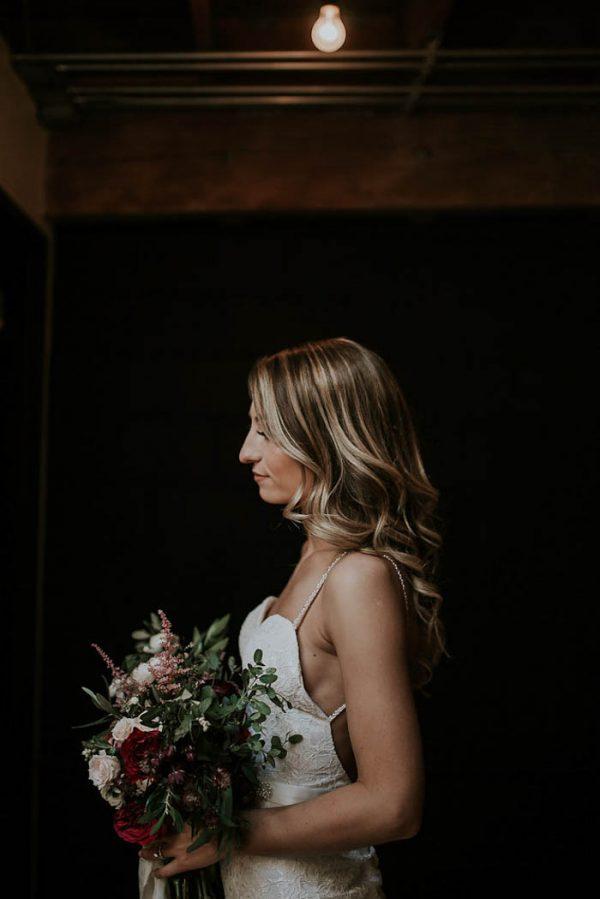 modern-romantic-portland-wedding-at-leftbank-annex-olivia-strohm-photography-7