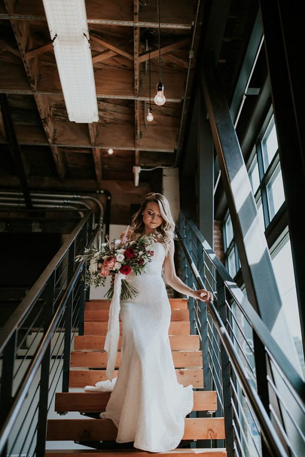 modern-romantic-portland-wedding-at-leftbank-annex-olivia-strohm-photography-9