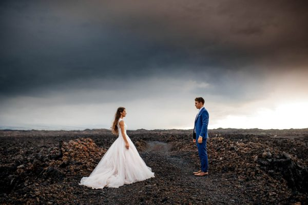 rugged-hawaiian-wedding-photos-on-the-big-island-karina-and-maks-20