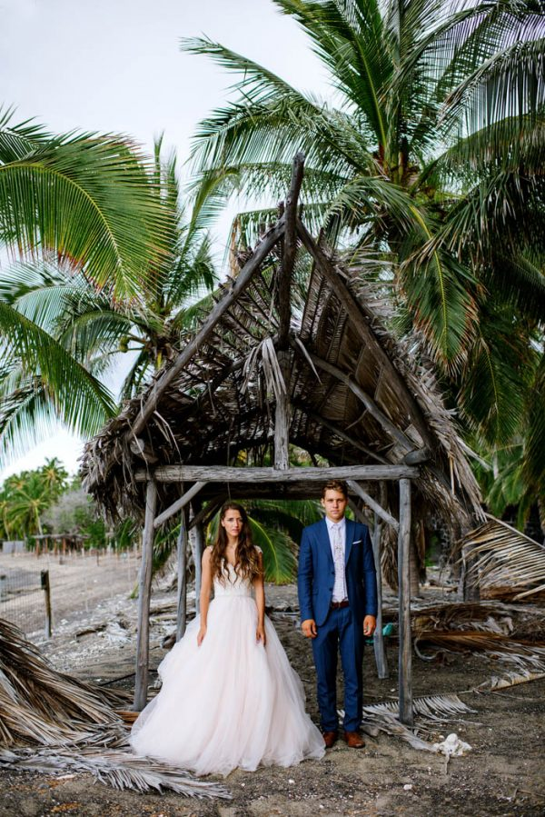 rugged-hawaiian-wedding-photos-on-the-big-island-karina-and-maks-37