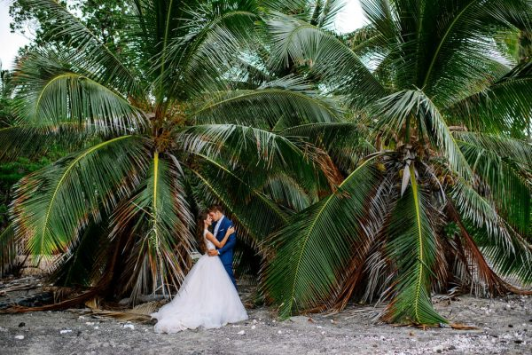 rugged-hawaiian-wedding-photos-on-the-big-island-karina-and-maks-39