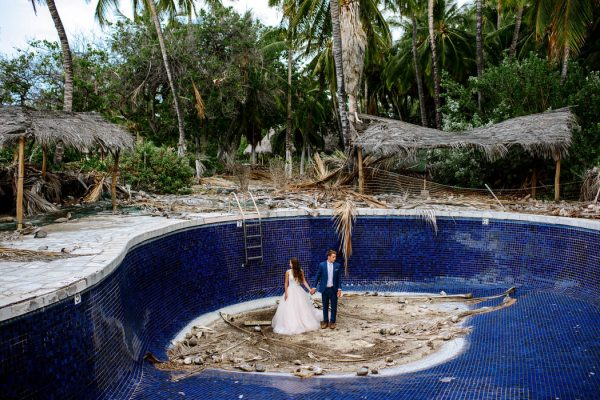 rugged-hawaiian-wedding-photos-on-the-big-island-karina-and-maks-46