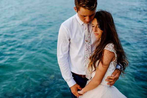 rugged-hawaiian-wedding-photos-on-the-big-island-karina-and-maks-5