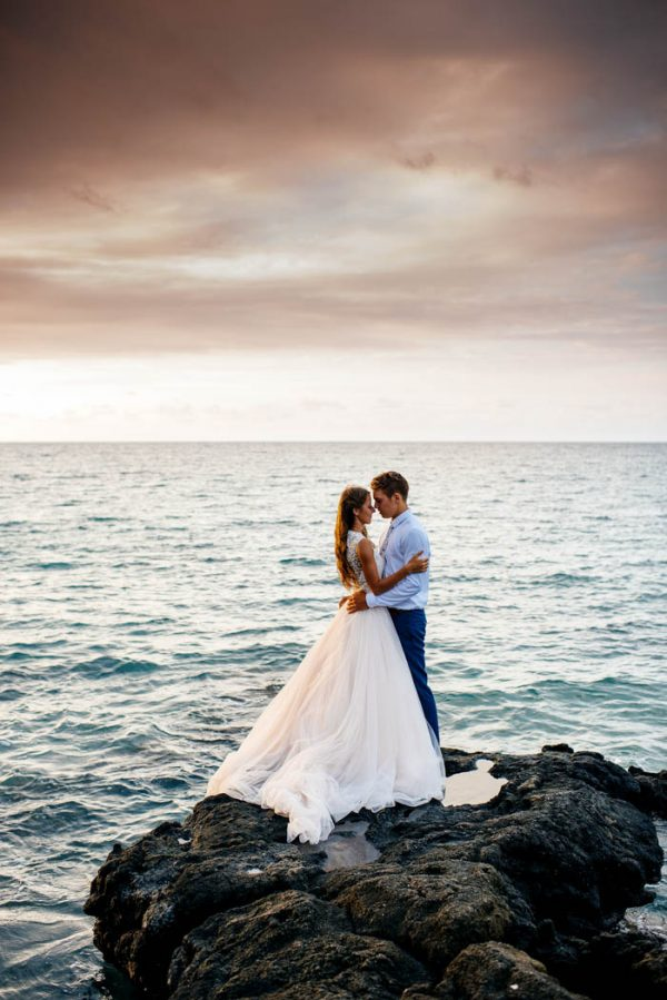 rugged-hawaiian-wedding-photos-on-the-big-island-karina-and-maks-6