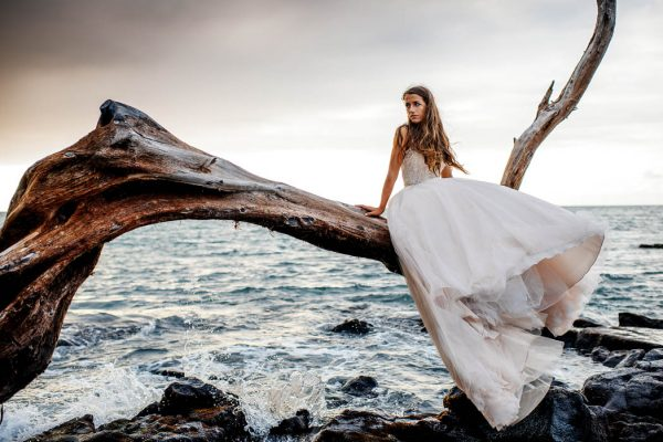 rugged-hawaiian-wedding-photos-on-the-big-island-karina-and-maks