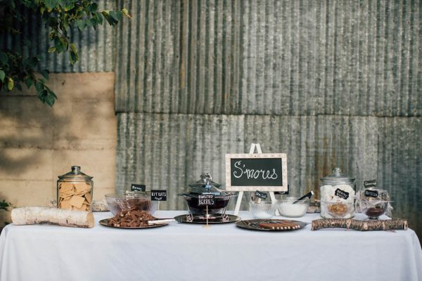 this-michigan-orchard-wedding-at-belsolda-farm-is-quintessentially-autumn-vafa-photography-11