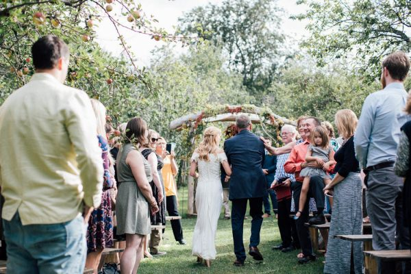this-michigan-orchard-wedding-at-belsolda-farm-is-quintessentially-autumn-vafa-photography-31
