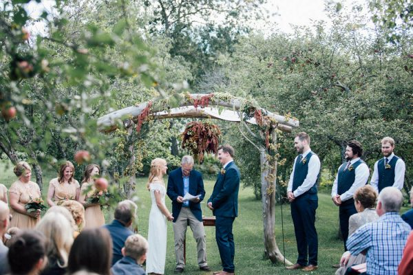 this-michigan-orchard-wedding-at-belsolda-farm-is-quintessentially-autumn-vafa-photography-35