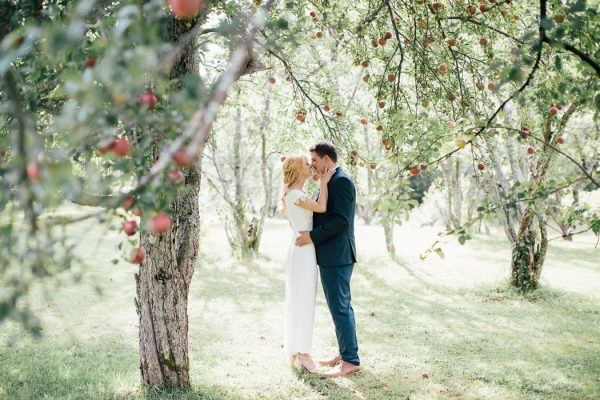 this-michigan-orchard-wedding-at-belsolda-farm-is-quintessentially-autumn-vafa-photography-41