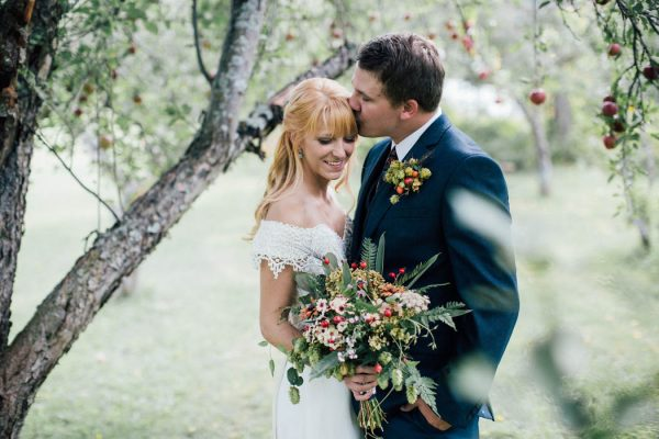 this-michigan-orchard-wedding-at-belsolda-farm-is-quintessentially-autumn-vafa-photography-43