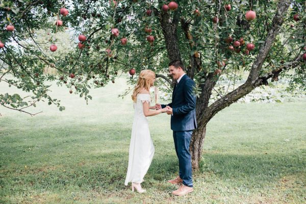 this-michigan-orchard-wedding-at-belsolda-farm-is-quintessentially-autumn-vafa-photography-54