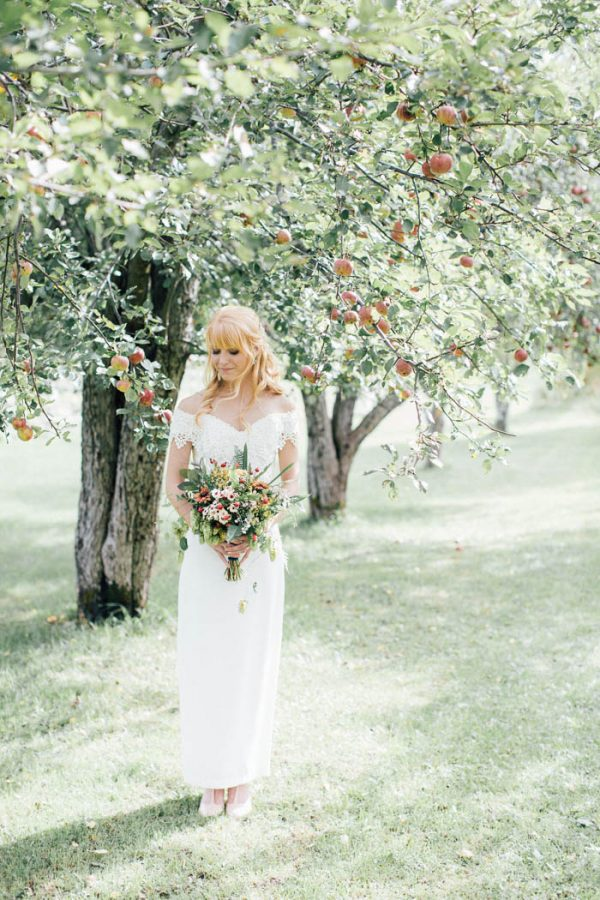 this-michigan-orchard-wedding-at-belsolda-farm-is-quintessentially-autumn-vafa-photography-55