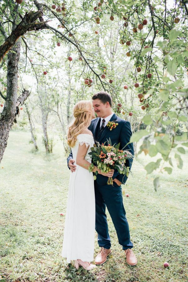 this-michigan-orchard-wedding-at-belsolda-farm-is-quintessentially-autumn-vafa-photography-57