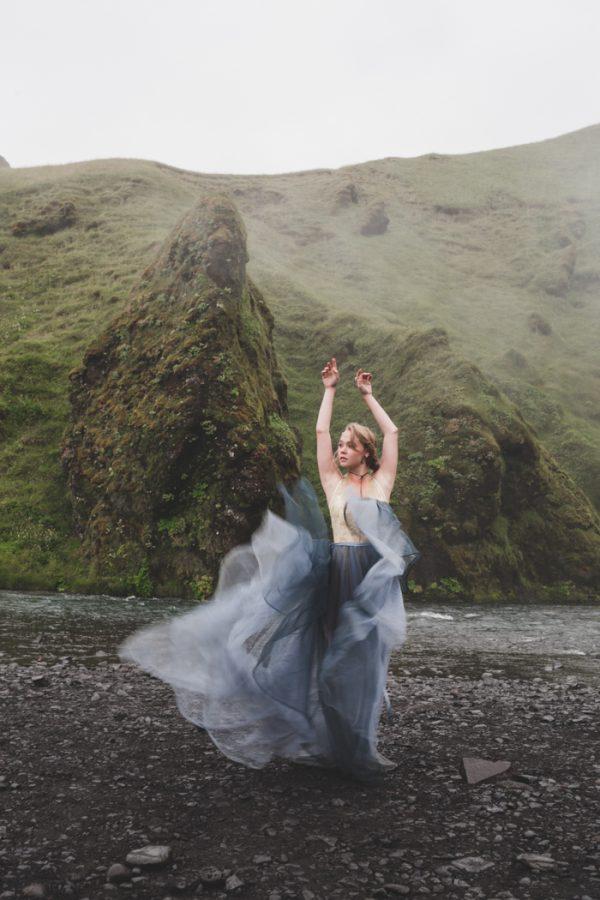 beautifully-wild-iceland-bridal-inspiration-10