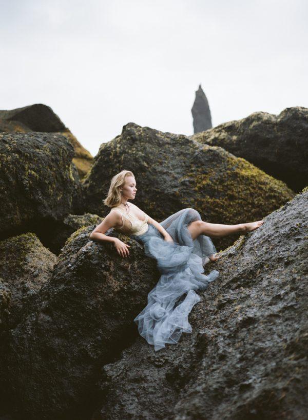 beautifully-wild-iceland-bridal-inspiration-15