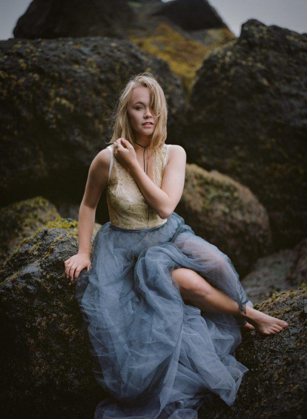 beautifully-wild-iceland-bridal-inspiration-16