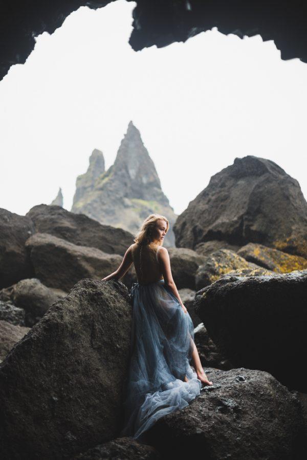 beautifully-wild-iceland-bridal-inspiration-4