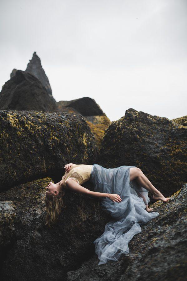 beautifully-wild-iceland-bridal-inspiration-5