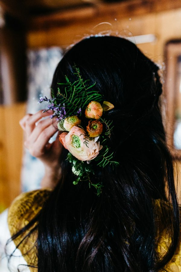 cozy-alternative-fall-wedding-inspiration-in-snowy-vermont-10
