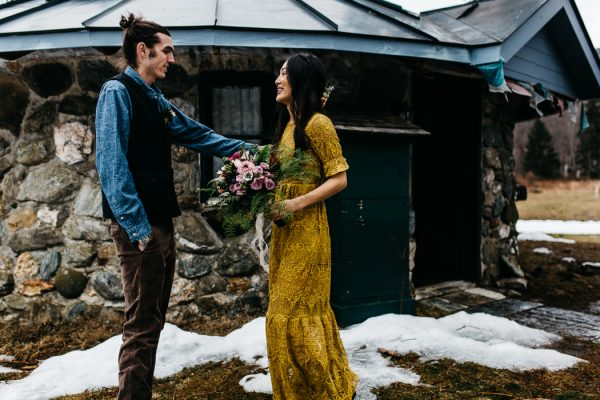 cozy-alternative-fall-wedding-inspiration-in-snowy-vermont-13