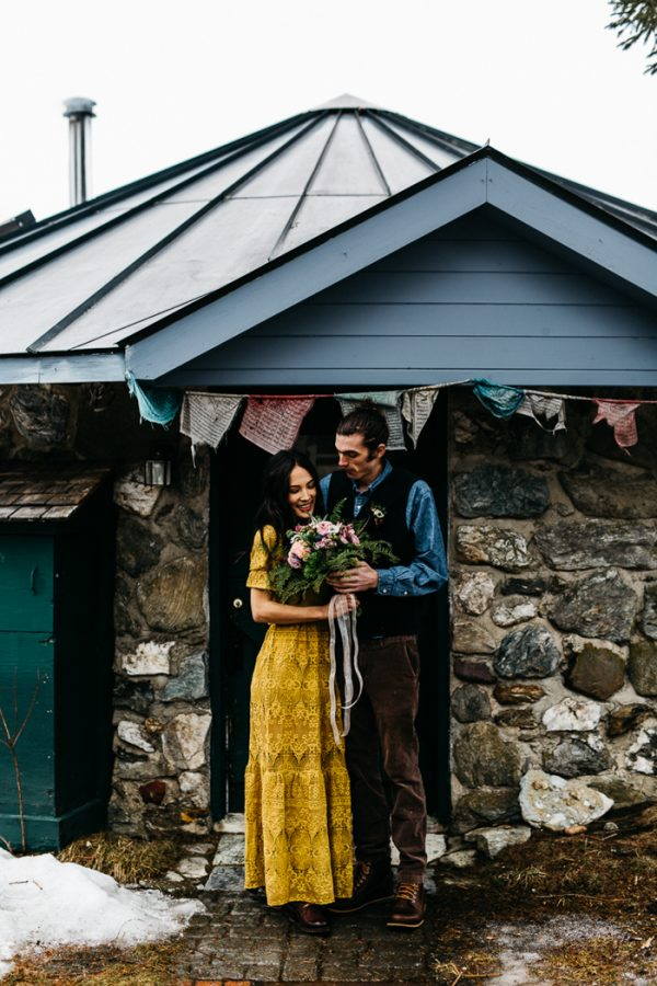 cozy-alternative-fall-wedding-inspiration-in-snowy-vermont-17