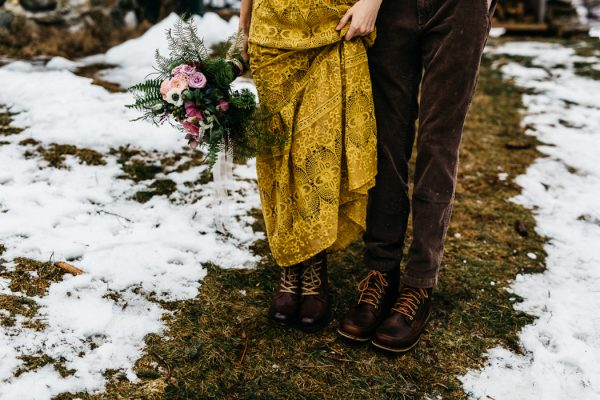 cozy-alternative-fall-wedding-inspiration-in-snowy-vermont-18