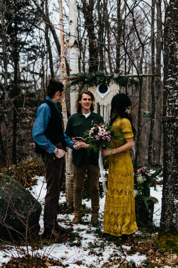 cozy-alternative-fall-wedding-inspiration-in-snowy-vermont-19