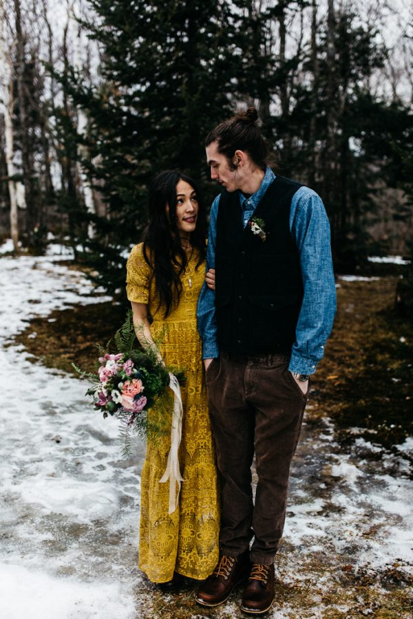 cozy-alternative-fall-wedding-inspiration-in-snowy-vermont-36