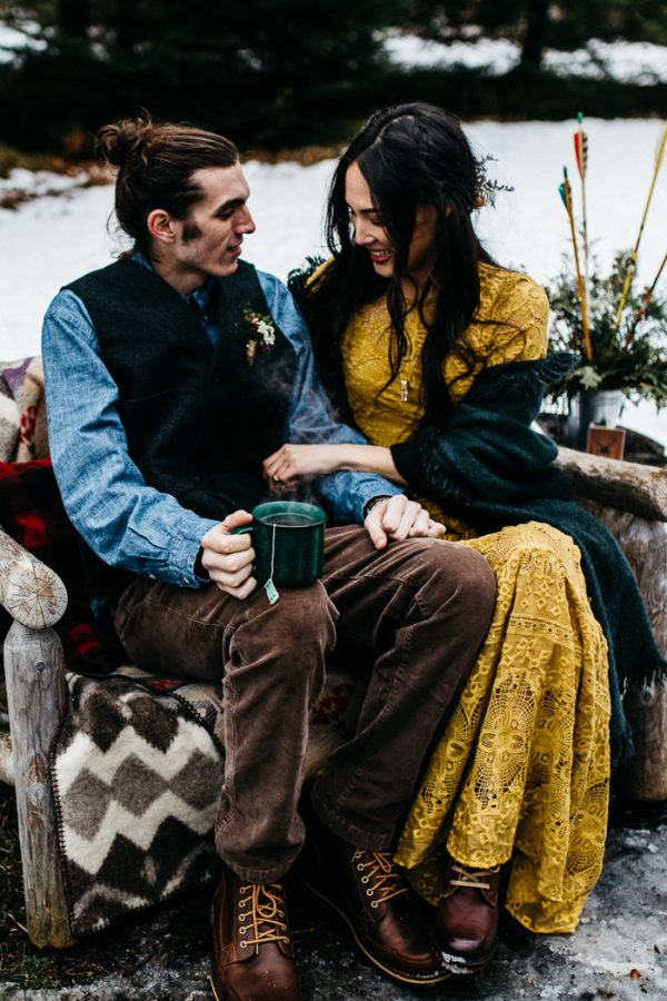 cozy-alternative-fall-wedding-inspiration-in-snowy-vermont-39