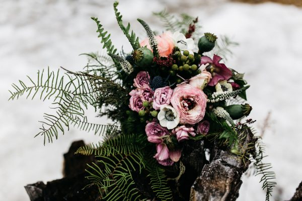 cozy-alternative-fall-wedding-inspiration-in-snowy-vermont-43