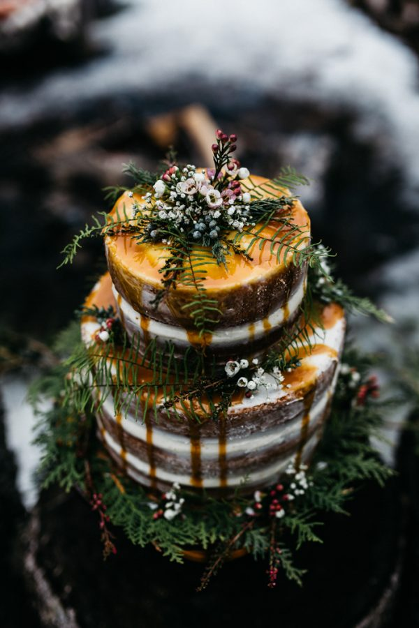 cozy-alternative-fall-wedding-inspiration-in-snowy-vermont-46
