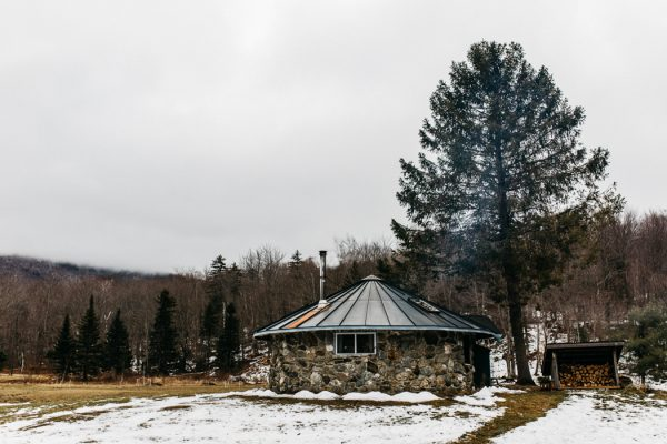 cozy-alternative-fall-wedding-inspiration-in-snowy-vermont-5