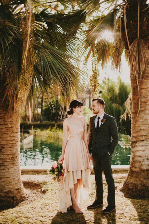 creative-blush-wedding-inspiration-at-echo-park-lake-12